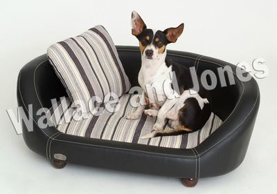 Wallace and Jones Hundesofa Oxford II